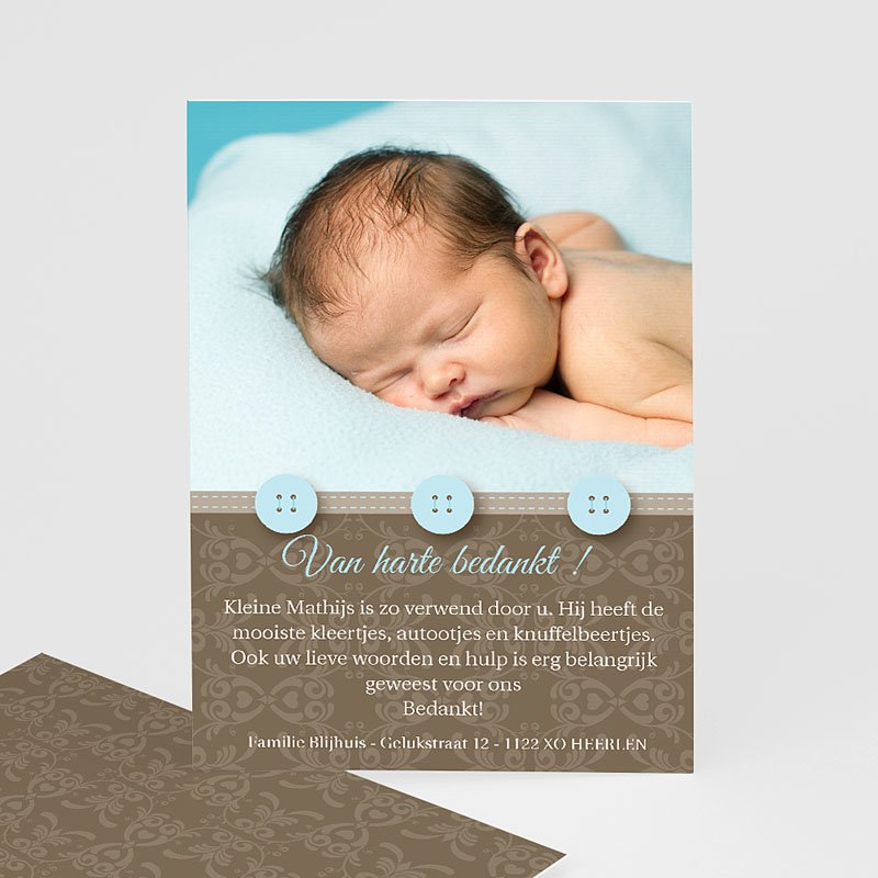 Bedankkaartje geboorte zoon Chic met blauwe knoopjes