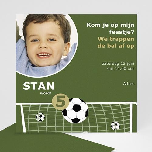 Verjaardagskaarten jongens - Voetbal uitnodiging 12009 thumb