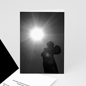 Universele rouwkaarten Engel ontvangt licht - zwart/wit