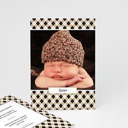 Geboortekaartje jongen Op een bloemenbed