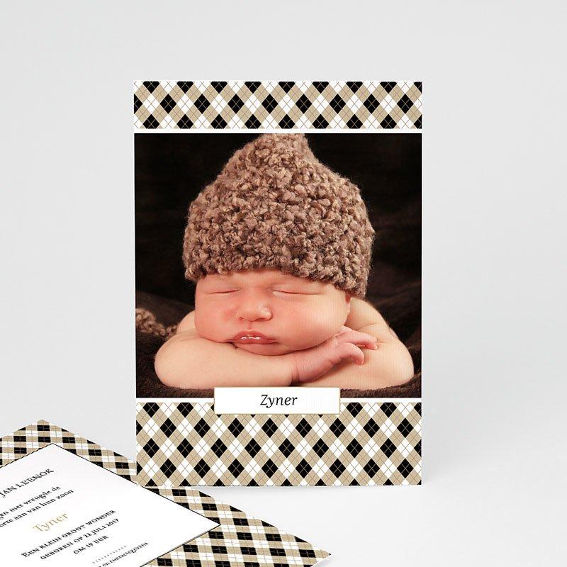 Geboortekaartje jongen - Op een bloemenbed 44397 thumb