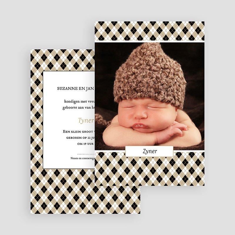 Geboortekaartje jongen - Op een bloemenbed 44399 thumb